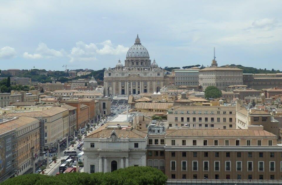 Řím (FB)
